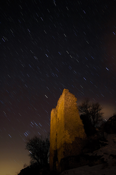 Fiocchi di Orione su Rocca Calascio, Abruzzo